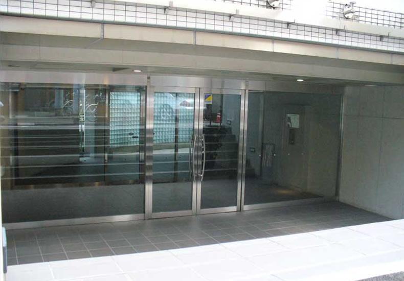 アールブラン目黒青葉台 エントランス イメージ