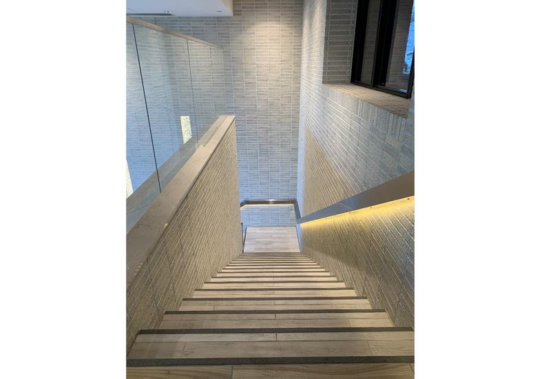 プラウドシティ南山 C棟 ロビー階段 イメージ