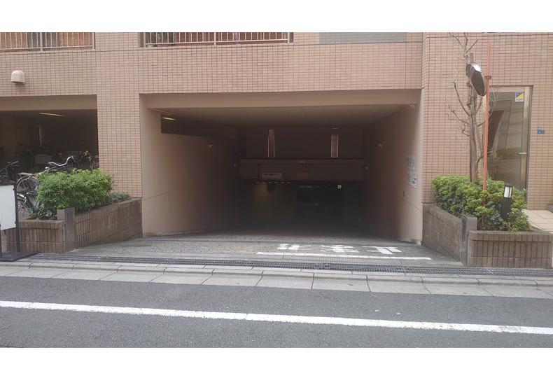 クレッセント西蒲田 駐車場入口 イメージ